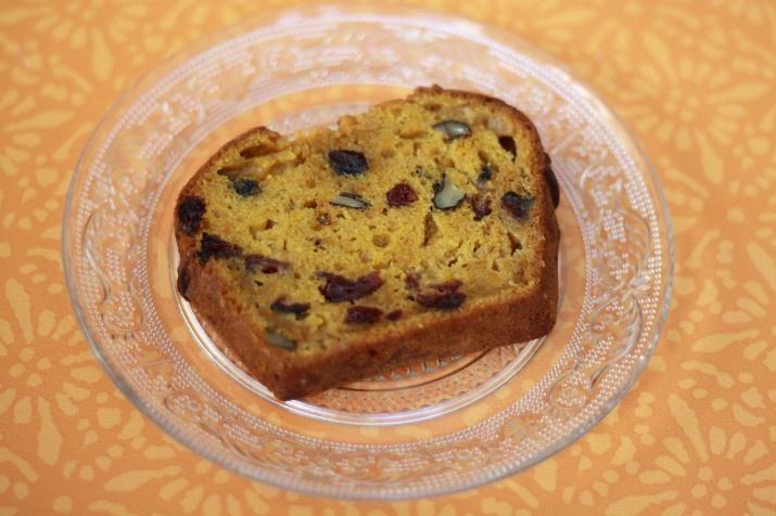 Pompoencake met gedroogde cranberries, witte chocolade en pecannoten | Judith's Cakes