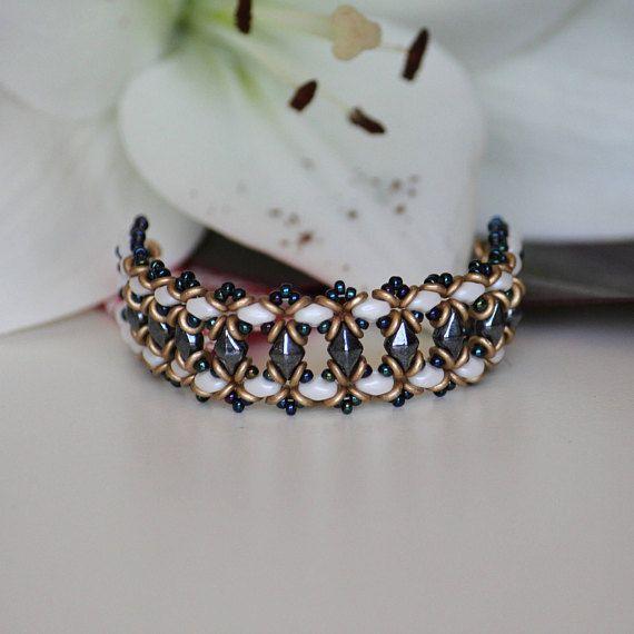 Handmade beaded bracelet for women. Beadwork bracelet from