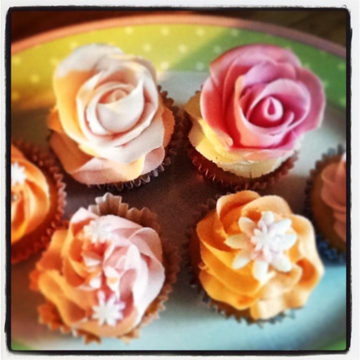 Flowery cupcakes....