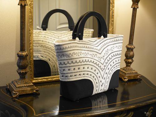 Destiny Fashion Bag - Free Baby Lock Projects