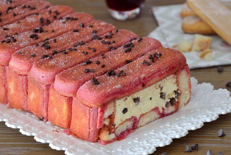Il dolce freddo all'alchermes è un dolce fresco gustoso e molto bello da portare in tavola. Con questo dolce il successo è assicurato!