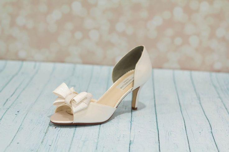 Sposa scarpe - scarpe da sposa - Bow scarpe tacchi - sposa tingibili scarpe - scarpe da sposa color avorio - sposa su misura scarpa - scarpe- di Parisxox su Etsy https://www.etsy.com/it/listing/213325156/sposa-scarpe-scarpe-da-sposa-bow-scarpe