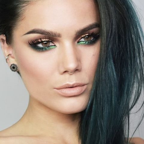 Throwback. Really like the green under the eyes :) maybe I should recreate something like this soon?