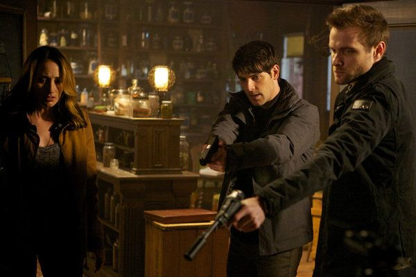 Grimm Season 1 Episode 18 - Cat and Mouse - watch Grimm full episodes and other tv series here on http://tvilicious.com: Grimm Full, Grimm Seasons, David Giuntoli, Boards Full, Grimm Xd, Full Episode, Grimm 1 18, Grimm 118, Watches Grimm