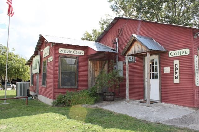 Hill Country Mysteries: Deutsch Apple Bakery - Blanco, Texas