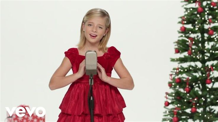 Jackie Evancho's official music video for 'Silent Night'. Click to listen to more Christmas Songs on Spotify: http://smarturl.it/FiltrXmas As featured on Hea...