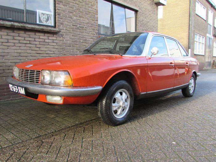Merk: NSU Type: Ro80 Bouwjaar: 4/1973 Motor: Wankelmotor, 2 x 497,5 cc met 115 pk Transmissie: Semi-automaat Tellerstand: ca. 16.522 km afgelezen APK geldig tot: 10-2017 (NL) Deze rood/oranje (officieel vanuit de fabriek genoemd: 'coralle') NSU Ro80 werd origineel in Nederland in April 1973 geleverd, heeft Nederlands kenteken en heeft maar 3 eigenaren gehad. De laatste eigenaar was een echte NSU Ro80 liefhebber en heeft enkele jaren geleden de motor nog door een nieuwe (met...