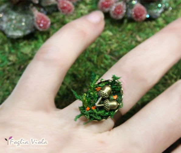 Acorn Fairy Ring, available now on www.fogliaviola.com   #acorn #ghianda #fairy #fata #anello #ring #fantasy #jewellery #jewelry #musk #moss #muschio #monili #fata #wedding #enchanted #fogliaviolastyle
