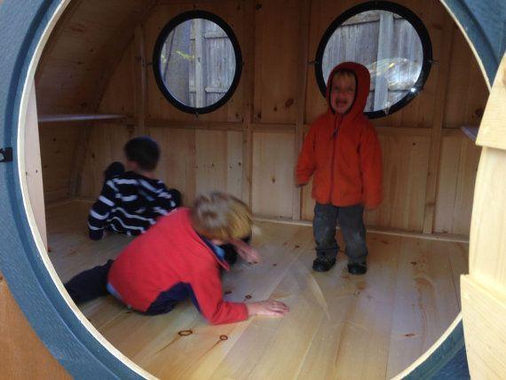 Large Hobbit Hole Playhouse Kit: outdoor wooden por HobbitHoles