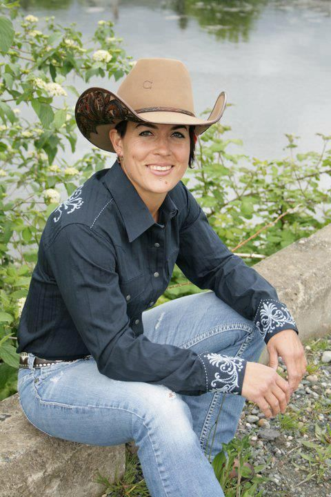 Only Female Saddle Bronc Rider In Prca Kaila Mussel My
