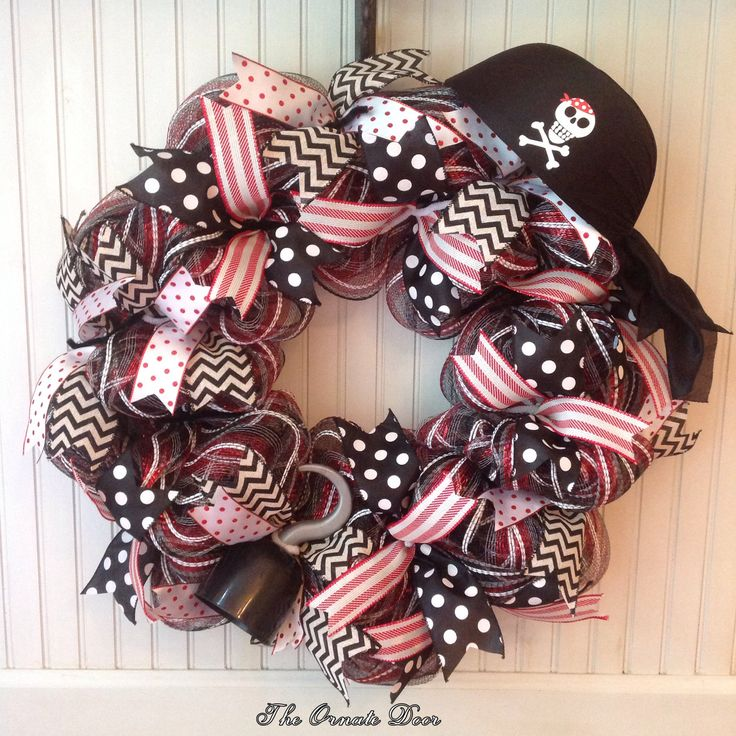 Pirate wreath, Halloween wreath, pirate decor, pirate birthday party, Teacher wreath, black and red deco mesh wreath, deco mesh Halloween by TheOrnateDoor on Etsy