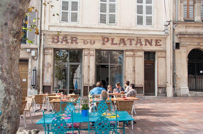 marseille bar du platane le panier 12 place des augustines 13002 marseille france. Black Bedroom Furniture Sets. Home Design Ideas