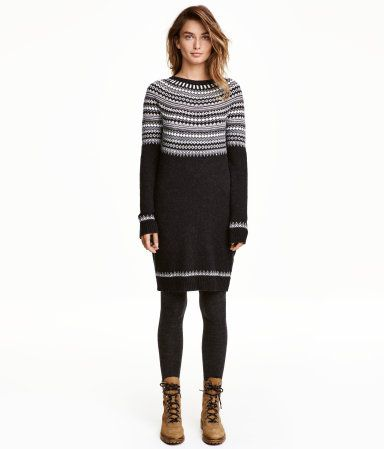 Dark gray/patterned. Short, jacquard-knit dress in a cotton blend with alpaca wool content. Wide style with long raglan sleeves and ribbing at neckline,