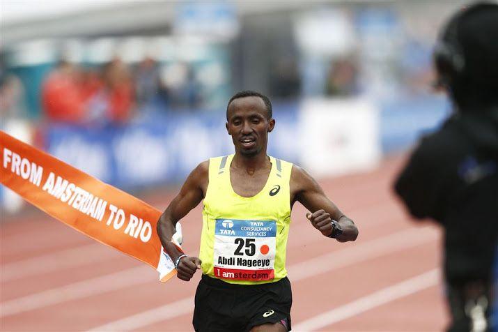 DEN HAAG (ANP) - Abdi Nageeye valt op 6 maart in de CPC Loop het Nederlandse record op de halve marathon aan. De Nederlands atleet, al zeker van deelname aan de olympische marathon in Rio, wil de 1.01.00 van Greg van Hest uit 1999 uit de boeken lopen. De Brabantse atleet liep die tijd destijds ook in de CPC Loop, de snelle wegwedstrijd door Den Haag en Scheveningen. De CPC Loop geldt dit jaar ook als Nederlands kampioenschap.