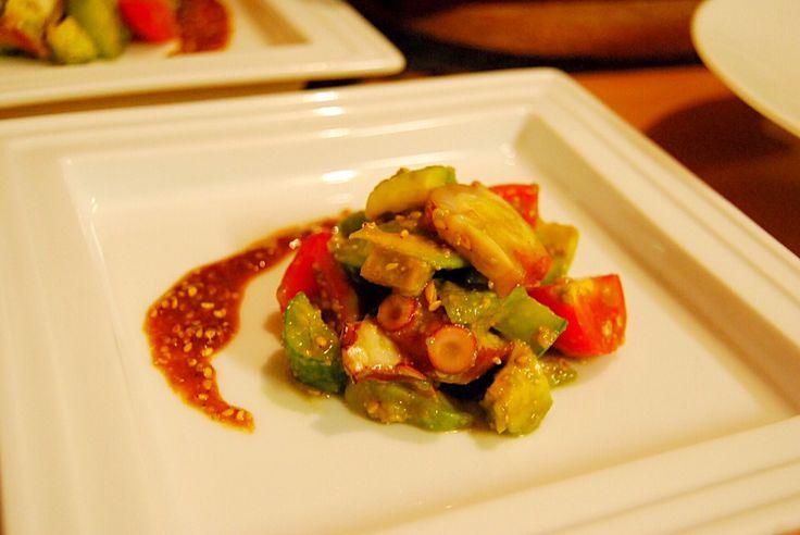 タコとアボカドの中華風サラダ
