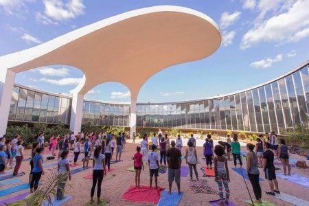 Memorial dos Povos Indígenas recebe aulão gratuito de yoga