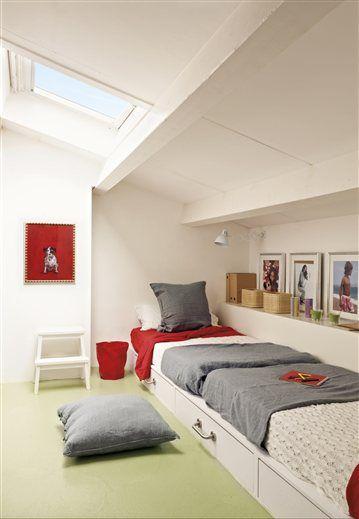 Dormitorio infantil en blanco, gris y rojo