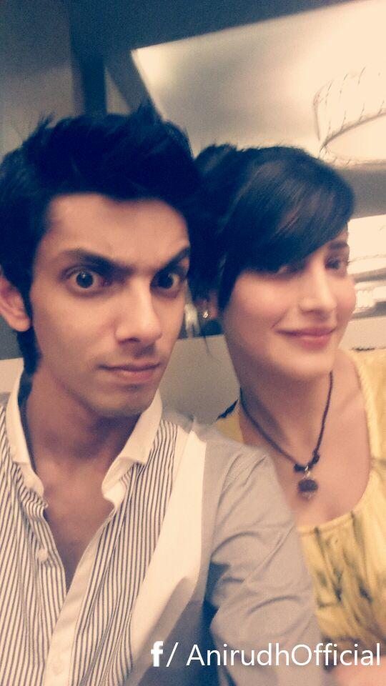 Anirudh Selfie With Shruti