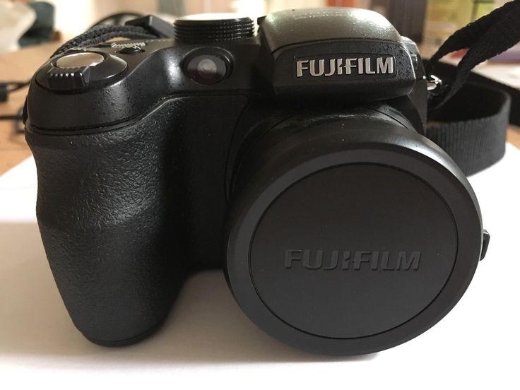 FUJI FINEPIX S1000 fd 12X OPTICAL ZOOM 10.0 MEGA PIXELS CAMERA WITH MANUALS