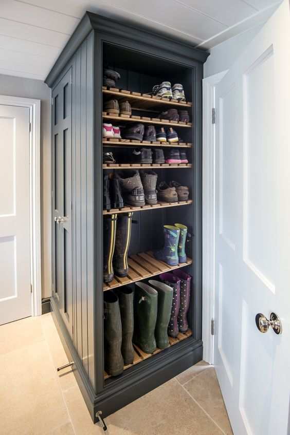 SHELTER: MUDROOM ENVY!