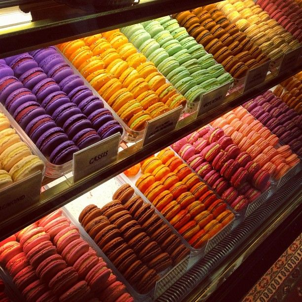 Don't get excited I'm not making a rainbow of macarons...but if you go with a color theme, I could match the macarons.