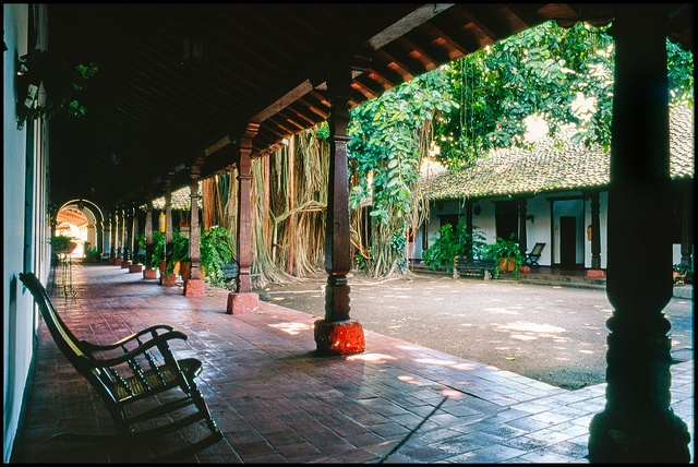 Inner courtyard, Mompós by RoryO'Bryen, via Flickr