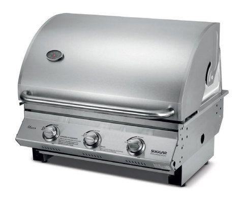 A GÁS. Carne no bafo ou churrasco comum? Os dois preparos são possíveis na CH3001IX (69 x 59 x 77 cm), da Suggar: basta que ela funcione com a tampa fechada ou aberta, respectivamente. Dispõe de três queimadores com controles individuais sob a grelha e usa GLP. Walmart, R$ 1699.