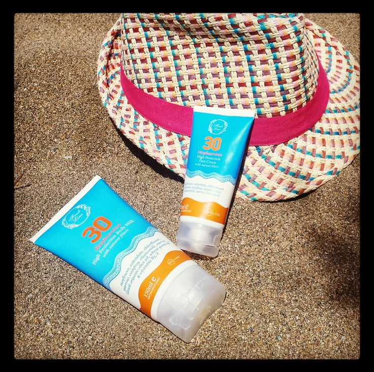 Αυτό το καλοκαίρι προστατέψτε την επιδερμίδα σας φυσικά! Η αντηλιακή κρέμα προσώπου SPF30 και το αντηλιακό γαλάκτωμα σώματος SPF30 της σειράς Ήφαιστος με φυσικά φίλτρα προστασίας θα γίνουν ο σύμμαχός σας ενάντια στην ηλιακή ακτινοβολία και τη φωτογήρανση! #freshline #Hephaestus #summer2016 #sunprotection #naturalfilters #herbalextracts #UVA #UVB