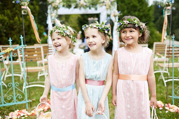 61 besten flowergirls bilder auf pinterest berlin for Blumenkinder kleider berlin