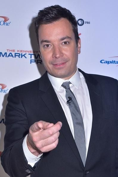 Jimmy Fallon Injury News: Host Chips Tooth Following Finger Freak Accident - http://imkpop.com/jimmy-fallon-injury-news-host-chips-tooth-following-finger-freak-accident/