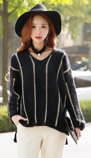 StyleOnme_Pinstripe Pearl Choker V-Neck Knit Top #pinstripe #falltrend #choker #pearl #black #white #koreanfashion #dailylook #stylish #chic