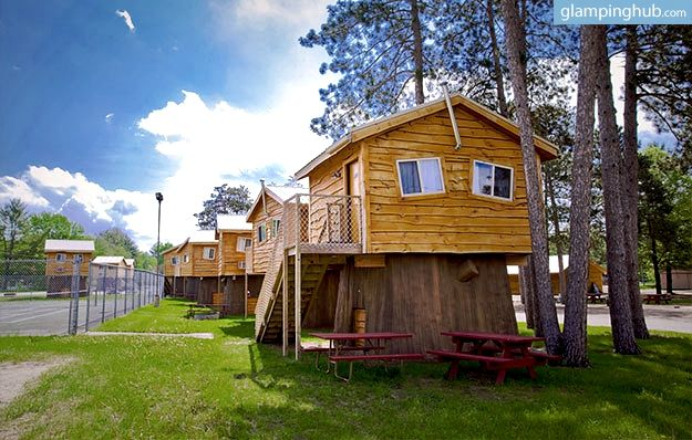 beautiful and cozy treehouse hotel in wisconsin dells