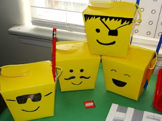 My son's lego party: Lego Treats, Cardboard Boxes, Goodies Bags, Lego Parties Favors, Birthday Parties, Lego Boxes, Favors Boxes, Parties Ideas, Takeout Boxes