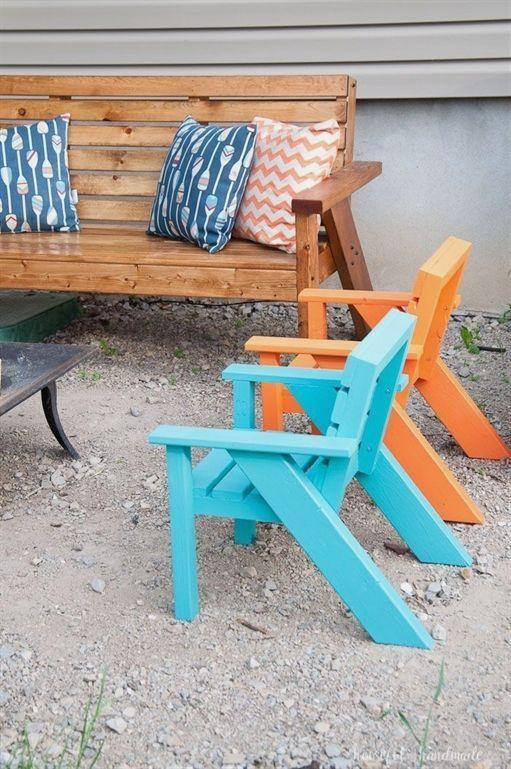 Mit Diesen Easy Diy Kinder Terrassenstuhlen Konnen Sie Die Perfekte Sitzgelegenheit Im Garten Schaffen Die C Gartenstuhle Kleine Gartenmobel Diy Terrasse