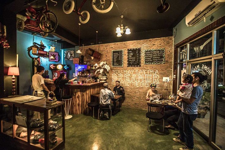 Rustic chic—fantastic little cafe in Lampang, Thailand. Click to read the full story!