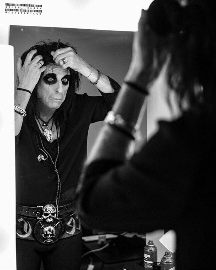 Alice Rocks. Be like Alice. Amazing pic of an iconic performer by CerealKyler Photography (go check his stuff out!) - and some pretty dang sweet NightRider Jewelry belt buckles if we do say so ourselves. - Poison Belt Buckle & Custom Belt Buckle.  #AliceCooper