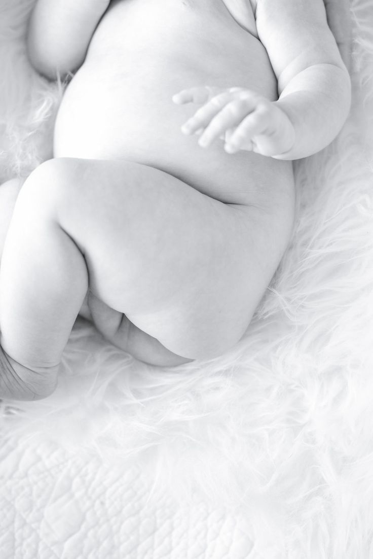 baby photography pose