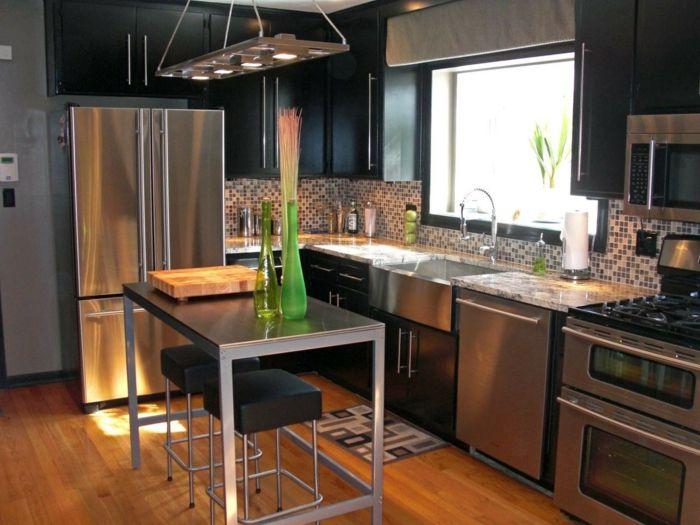 cocina comedor de diseño moderno en negro y gris y lámpara original ...