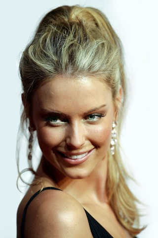 Jennifer Hawkins. I love her teased, high ponytail.