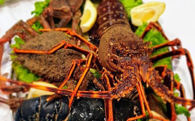 Dónde Comer Pescado Y Marisco Por Cantabria Pescados Y Mariscos Mariscos Paella De Mariscos
