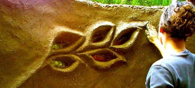 Cob House Leaf Windows, love the creativity of the material. i would have so much fun with this