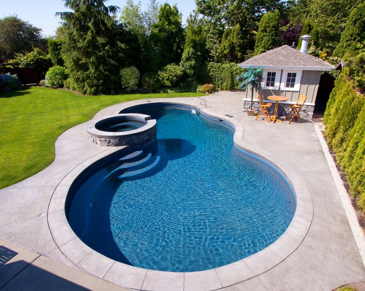 Alka pool basalt stone coping on the whirlpool for In ground pool coping ideas