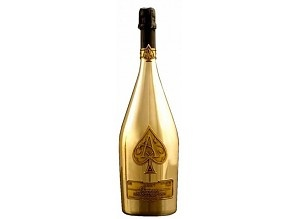 Maar liefst 15 liter Armand de Brignac champagne in 1 fles. Zo'n grote champagnefles noemen we een Nebukadnezar. Gelijk aan 20 gewone champagneflessen.
