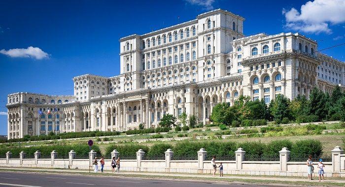 Cazare Romania la preturi mici direct de la proprietar.Rezervari online si contact direct.Oferte de cazare cu detalii complete : harta, obiective turistice, descriere localitati si magini.