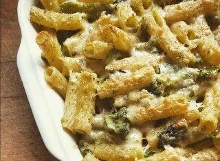 Baked tortiglioni with broccoli