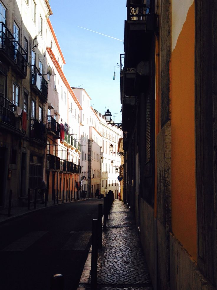 Vai um passeio ao Bairro Alto de Tuk Tuk? Lets go on a tour in Bairro Alto by Tuk Tuk? #TukTukTejo #Lisboa #Lisbon #Tuktuktours #BairroAlto
