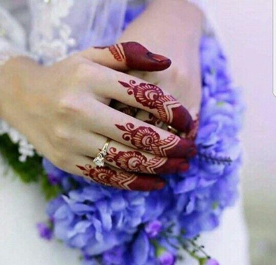 Stylish henna designs for finger