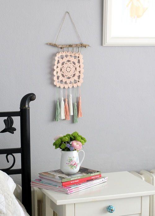 Püsküllü Duvar Süsü - Crochet Wall Decoration