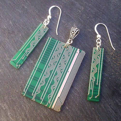 cool Circuit board jewelry is second life for recycled hardware - Page 59 - TechRepublic