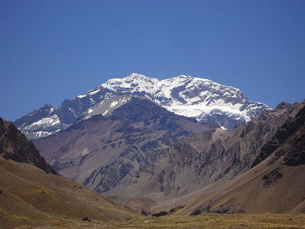 Aconagua is the highest mountain peak in the Americas. | 20 Reasons To Hop On A Plane To Argentina Right Now